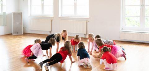 Fit mit Flizzy und der Dance Company Leipzig e.V. : Neuer Kindersportkurs bei der DCL